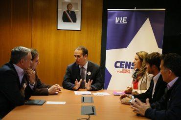 Essbio, CGE y Frontel colaboran en la difusión del folleto del Censo 2017