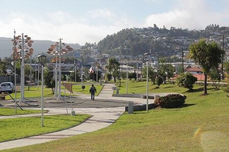 Vecinos de Lebu inauguraron «Plaza de Los Vientos»