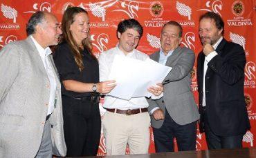 Municipio se reúne con parlamentarios para aunar criterios en el desarrollo de Valdivia