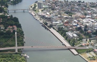 Minvu y MOP Los Ríos consideran resguardo del patrimonio arquitectónico en proyectopuente Cochrane – Los Pelúes, descartando demolición de Casona Lopetegui