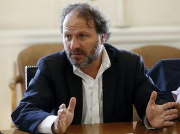 Senador De Urresti y presidenta de Cut Valdivia hacen un llamado a los empresarios a proteger a los trabajadores