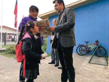 Seremi (s) de Gobierno da la bienvenida en primer día de clases a estudiantes de Escuela Nevada de Los Lagos