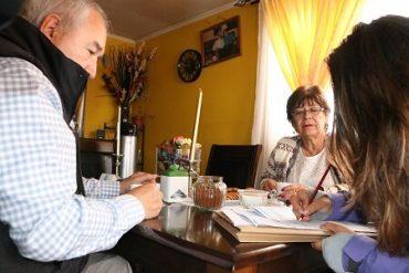 Alcalde Bertín constató en terreno el desarrollo del censo en la comuna de Osorno