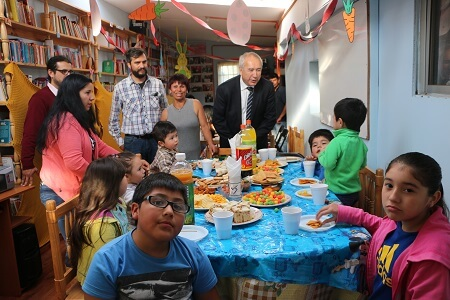 Bertín celebró con niños del campamento Padre Hurtado la Pascua de Resurrección