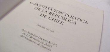 Diputado Berger critica indefiniciones en proyecto de La Moneda para reformar la Constitución