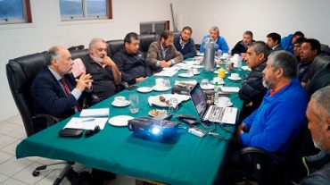 Diputado Flores se reúne con Federaciónde Pescadores de Los Ríos para tratar la irrupción de embarcaciones de la región del Bío Bío y La Araucanía