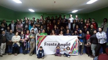Frente Amplio presentó precandidaturas al Parlamento en segundo Encuentro Regional en Los Ríos