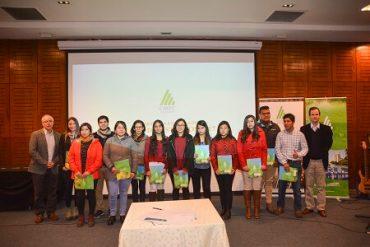 Becas de estudio de Forestal Mininco: 17 años apoyando a familias del Maule, Bio Bio y La Araucanía
