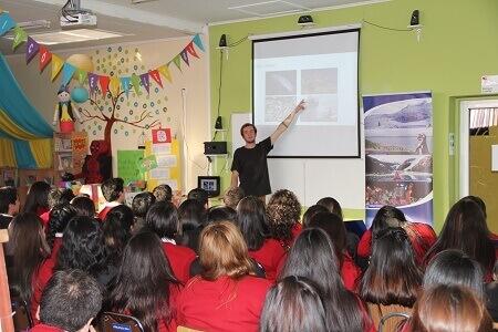Niños y jóvenes son protagonistas en charlas itinerantes de Fundación CEQUA