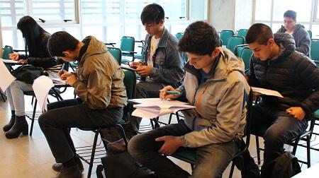 Jóvenes de San Pedro de la Paz accedieronal preuniversitario social de la U. Católica