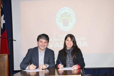 """Municipalidad de Valdivia y Entel dan inicio a campaña """"Valdivia, te cuido Conectado"""""""