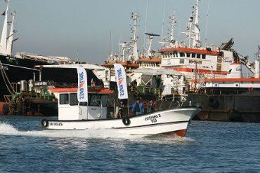 Pesquera Landes presenta innovadora embarcación para la pesca de jibia desarrollada junto a pescadores artesanales