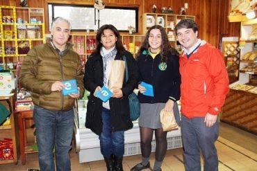 Seis nuevos locales apoyan campaña para reducir bolsas plásticas en Valdivia