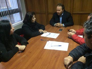 Solicitan reintegro de dirigenta de ANEF en Los Ríos
