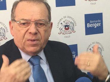 """Berger tildó de """"acertada"""" decisión de Tribunales que denegó sobreseimiento a ministro Undurraga por caso Puente Cau-cau"""
