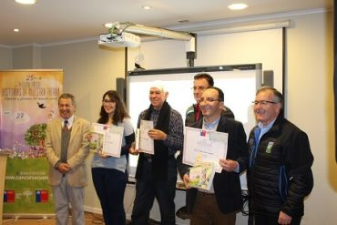 """Escritores del Biobío fueron premiados en concurso literario """"Historias de nuestra tierra"""" del Ministerio de Agricultura"""