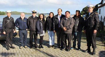 Sernapesca y Armada entregan primera concesión marítima de la región a caleta San Agustín de Calbuco