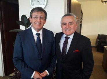 Alcalde Gervoy Paredes solicitó a alcalde Ramón Bahamonde reestructuración administrativa de Asociación de Municipios por el Relleno Sanitario La Laja