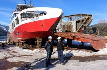 En agosto próximo ingresará a las aguas del Lago Pirehueico la nueva barcaza Puerto Fuy