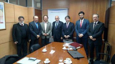 Alcalde Sabat se reunió con Fiscal Nacional por terrenos de Barrio Estación de Valdivia