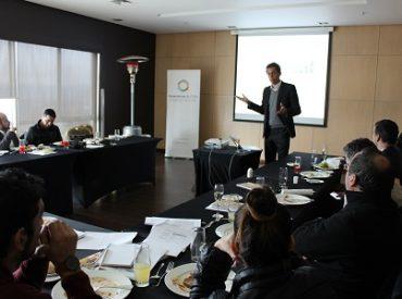 Generadoras de Chile impartió taller para periodistas de Los Ríos sobre sustentabilidad energética