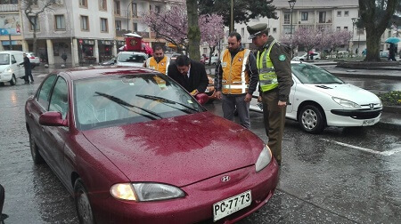 Campaña busca disminuir accidentes provocados por conducir manipulando el celular