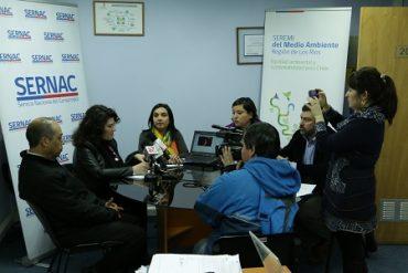 Autoridades regionales anuncian que consumidores de Valdivia dispondrán de reporte mensual con información de locales y precios de leña seca
