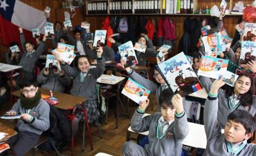 Junto a niños y niñas de la escuela Árabe Siria Sernapesca finalizó campaña por veda de la merluza austral
