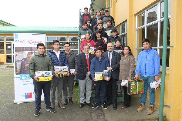 Entregaron subsidio de herramientas a mujeres y jóvenes soldadores de Lanco