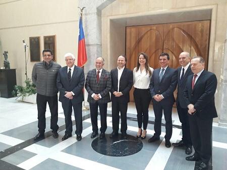 De Urresti destacó aprobación de proyecto que declara feriado el 2 de octubre en sala del Senado