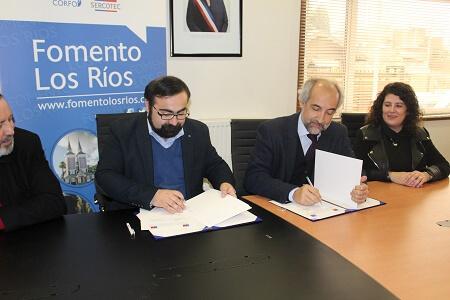 INAPI y Fomento Los Ríos firman convenio de Colaboración