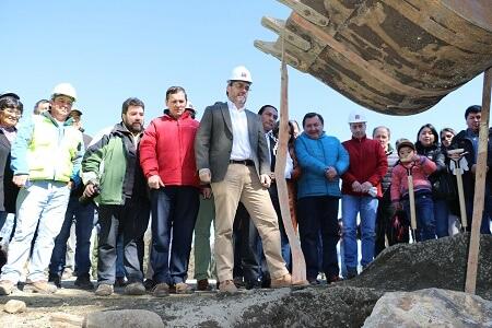 Ministro Undurraga da el vamos oficial a obras de mejoramiento de Ruta R-444 Lumaco-Los Sauces por Las Rosas