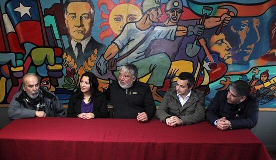PC de Los Lagos entrega apoyo a candidato a diputado Carlos Contreras