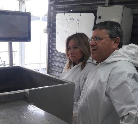Agregada agrícola de Estados Unidos en Chile conoce la industria del salmón