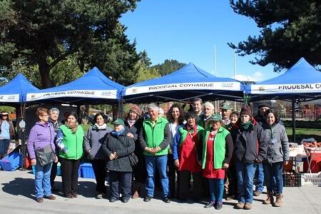 Indap difunde calendario de ferias del Prodesal Coyhaique en la plaza Angol