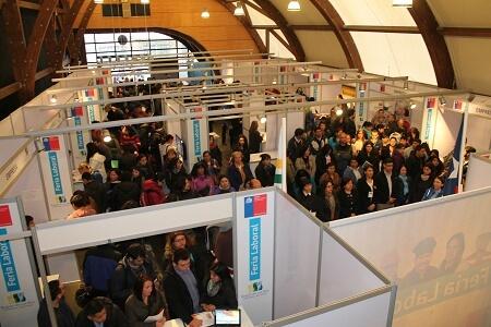 Ferias de empleo del Sence reunirán a cerca de 30 empresas