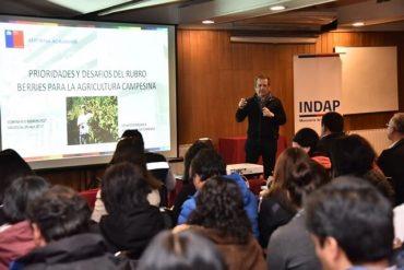 INDAP realizó exitoso seminario de berries en la Región de Los Ríos