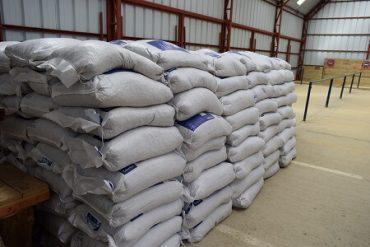 Pequeños agricultores de Los Ríos reciben ayuda comprometida por INDAP
