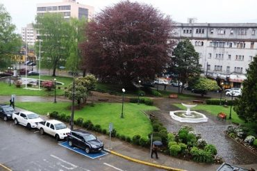 Municipio proyecta mejoras para plaza Pedro de Valdivia y Chile