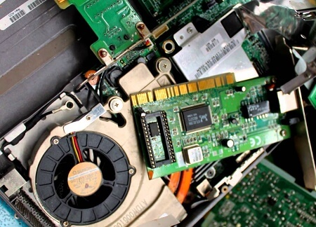 Municipio invita a reciclar residuos eléctricos y electrónicos en Paillaco