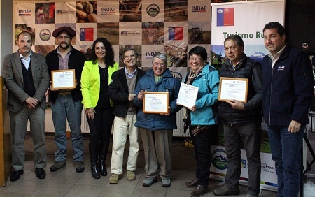 Emprendedores rurales presentan sus ofertas turísticas en Coyhaique