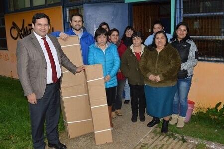 10 familias de Cisnes reciben invernaderos para ejecutar proyectos de autoconsumo