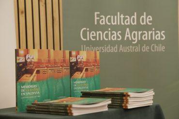 Presentaron libro sobre Historia de la Radio de Valdivia