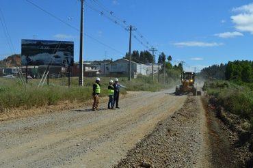 Intendente Millán verifica en terreno inicio de trabajos en ruta entre Valdivia y Antilhue