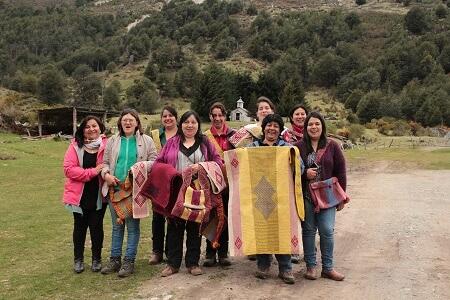 Territorio Patagonia Verde continúa capacitación de mejora en el arte textil de Futaleufú