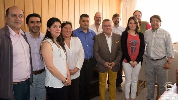 Gremios turísticos se reunieron con alcalde Ramón Bahamonde para interiorizarse de las medidas tomadas por el municipio ante contingencia del lago Llanquihue