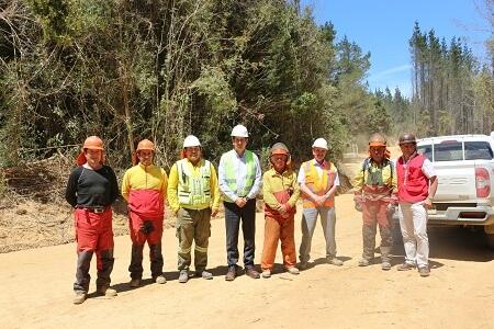 Seremi del Trabajo visitó faena forestal observando condiciones de seguridad e higiene laboral