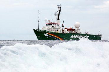 Llegó a Chile: Greenpeace irá con un submarino a proteger la Antártica