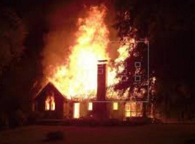 Gobierno anuncia nueva querella por ataque incendiario en iglesia en Panguipulli