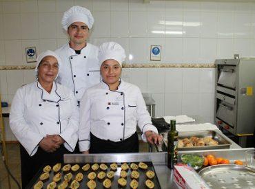 Sence abre postulaciones a cursos de capacitación sin costo en Valdivia y La Unión